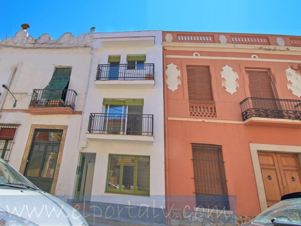 Location Maison  Canet de mar, canet de mar, barcelona, españa. Casa de pueblo en el centro a pocos metros del mar , tenemos la