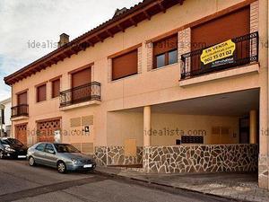 Alquiler Vivienda Casa-Chalet local comercial de 243 m2 + garaje