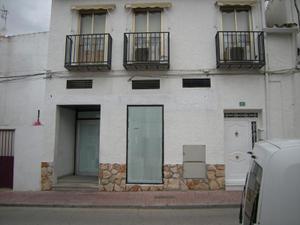 Alquiler Vivienda Casa-Chalet local comercial de 80 m2 + 80 m2 de sótano