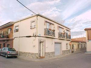 Alquiler Vivienda Casa-Chalet casa de lujo, de 1 dormitorio, muy independiente.