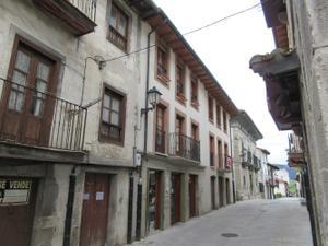 Piso en Venta en Casco Histórico / Artziniega