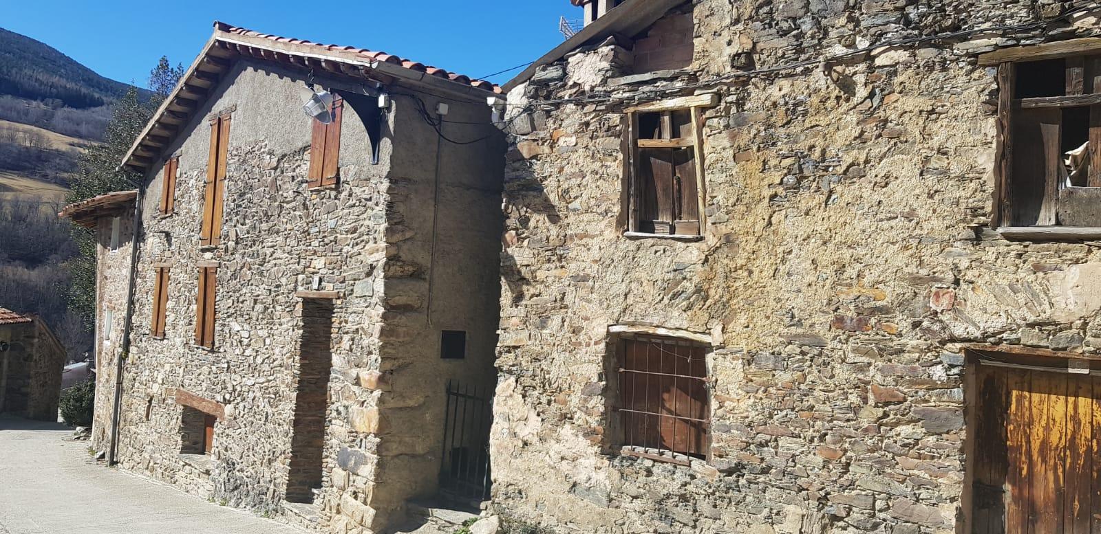 Casa  Calle la canal. Casa de pedra de 3 habitacions