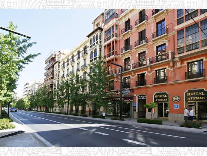 Piso En Granada Capital En Centro En Calle Gran V A De