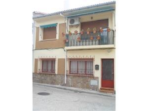 Casa adosada en Venta en Centro / Sotillo de la Adrada