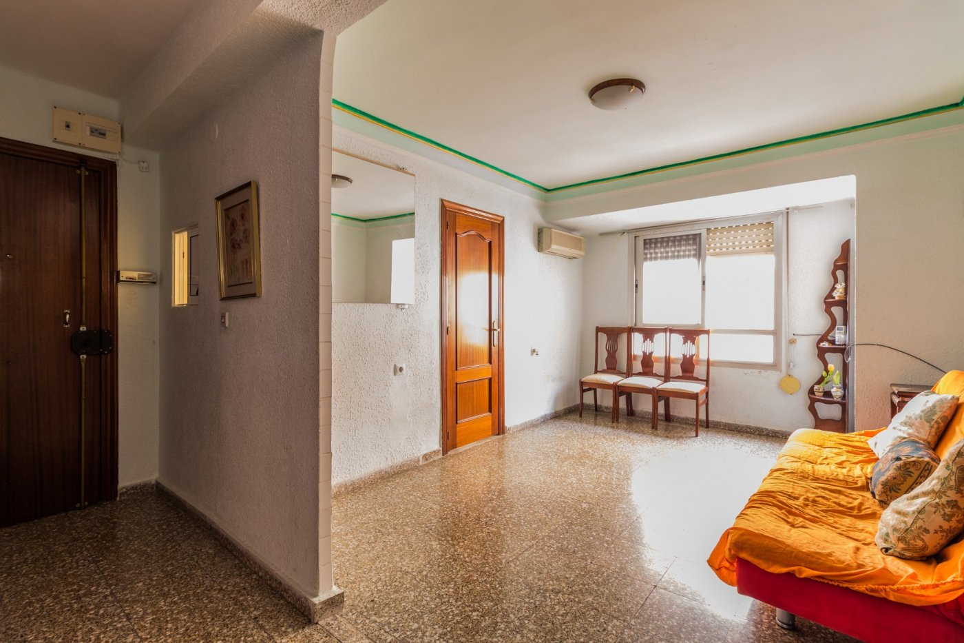 Appartement  Burjassot ,cantereria. Piso economico de cuatro dormitorios