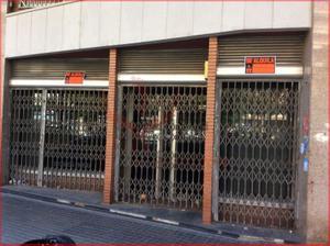 Local comercial en Alquiler en Roma / Eixample