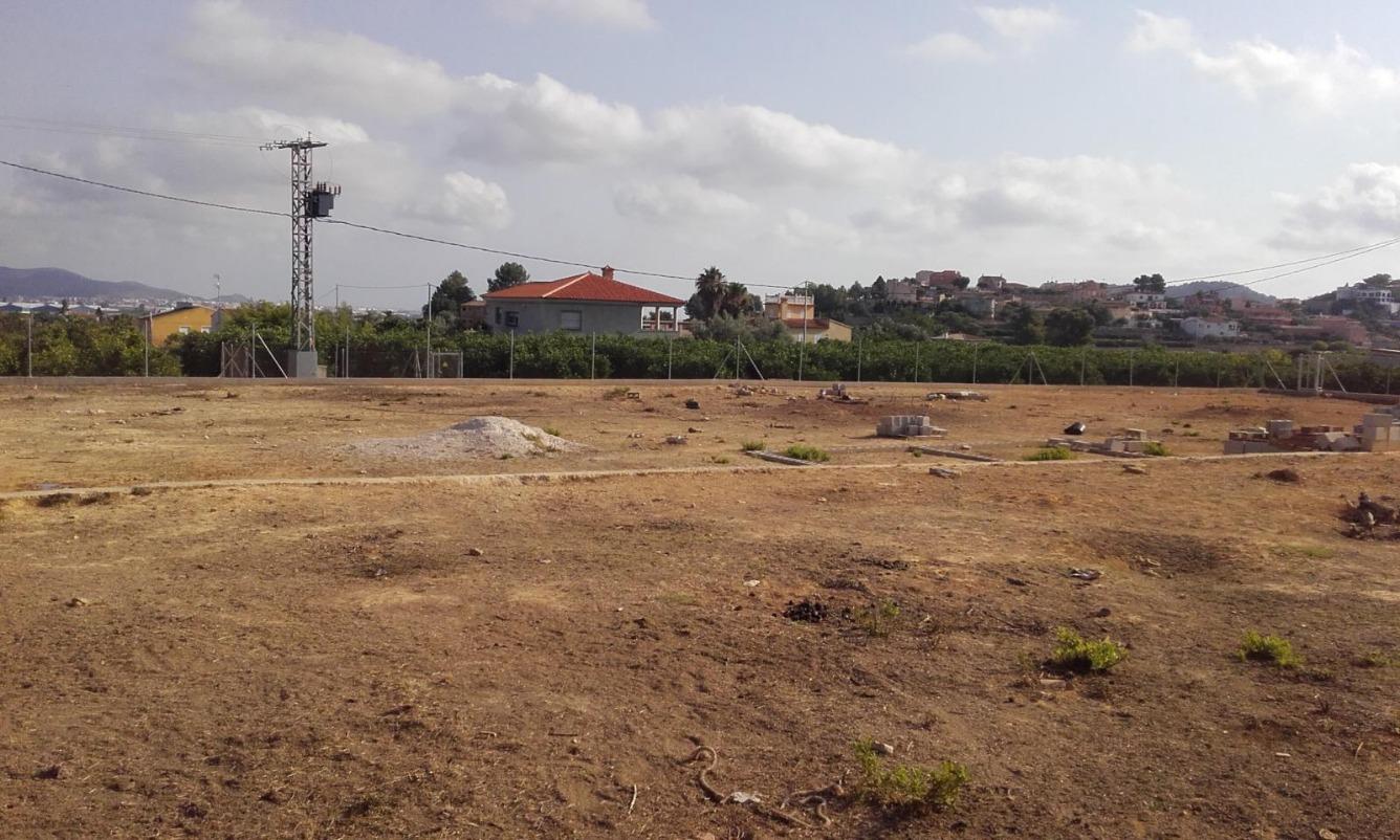 Solar urbà  Ador, zona de - la font d'en carròs