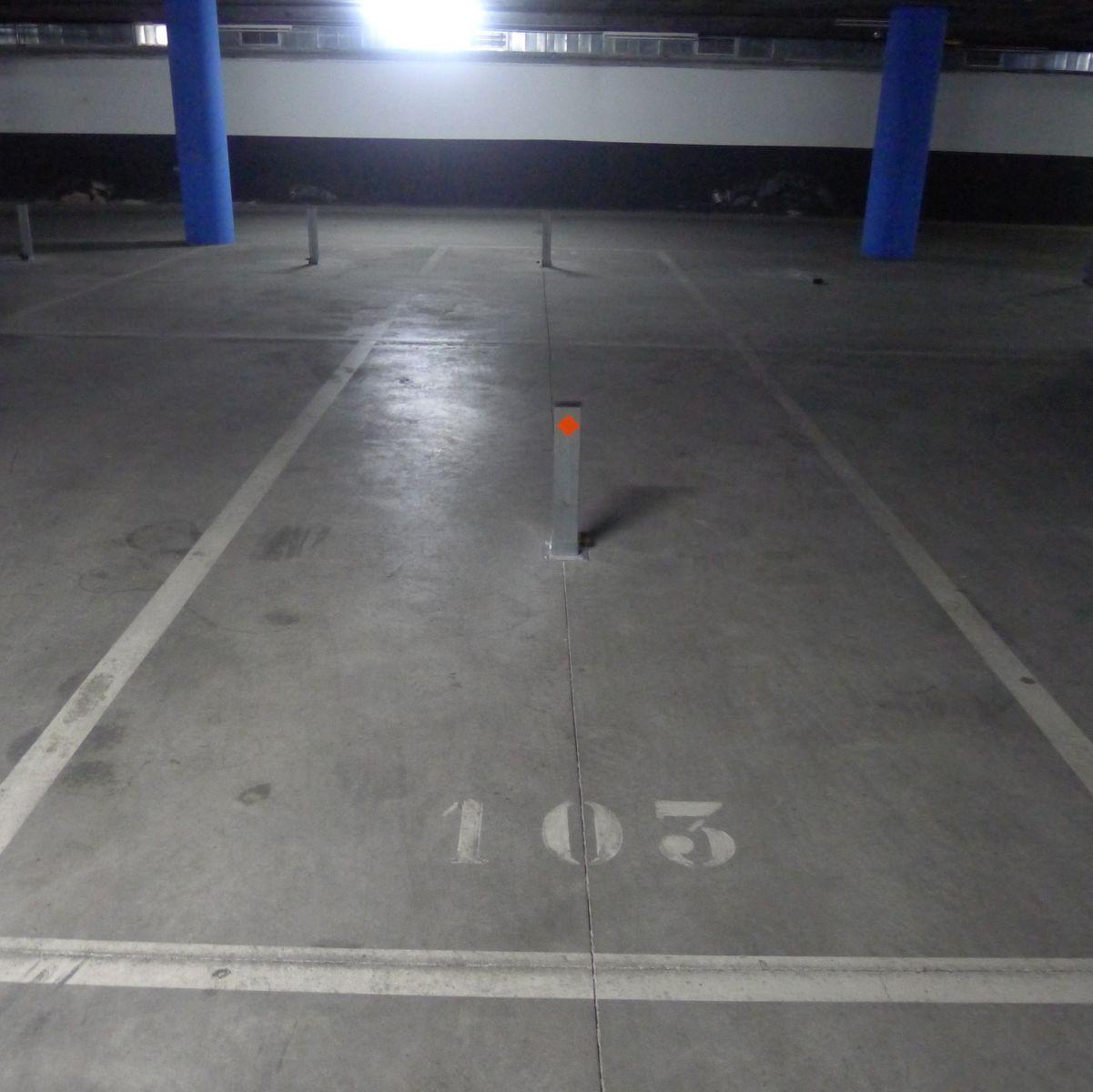 Alquiler Parking coche  Rambla sant jordi. Plaza abierta en alquiler en ramblas.
