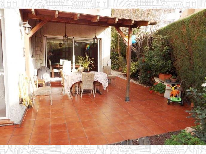 Casa adosada en el papiol en calle girona 137580295 fotocasa for Casas en el papiol
