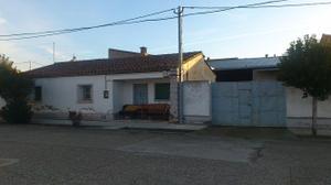 Chalet en Venta en Del Tubo, 13 / Lalueza