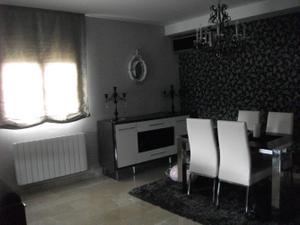 Alquiler Vivienda Casa adosada disponible a partir de junio