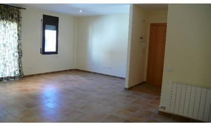 Wohnimmobilien und Häuser zum verkauf in Tona