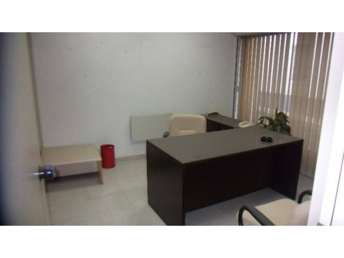Foto 3 von Geschaftsraum in Tona