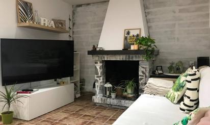 Wohnimmobilien und Häuser zum verkauf cheap in Tona