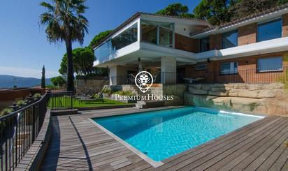 Viviendas y casas de alquiler con piscina en Cabrils