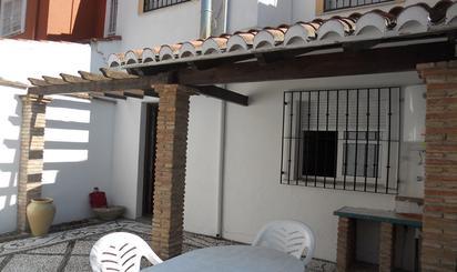 Casa adosada de alquiler en Calle Álvarez Quintero, Jun
