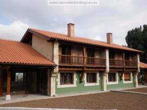 Casa adosada en Alquiler en Ontoria / Cabezón de la Sal