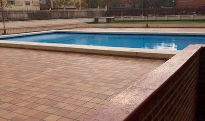 Viviendas en venta con piscina en Zaragoza Capital