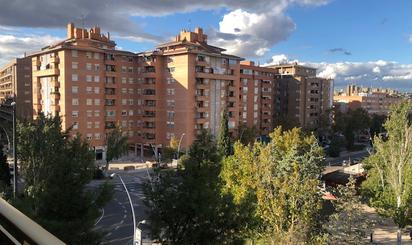 Pisos en venta con terraza en Jardines de Lisboa, Zaragoza