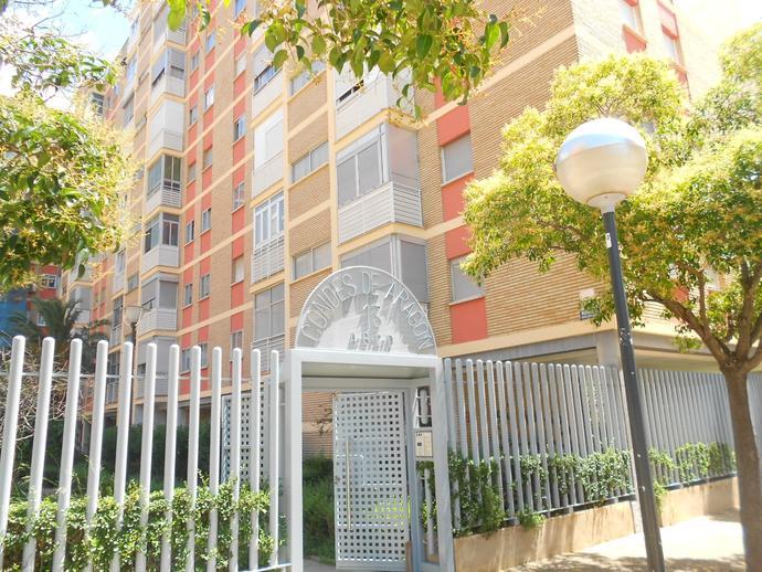 Foto 2 de Piso en Calle Condes de Aragón Romareda