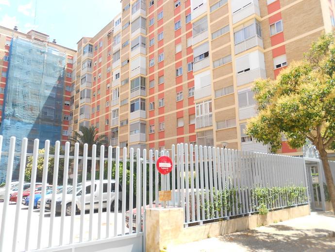 Foto 1 de Piso en Calle Condes de Aragón Romareda