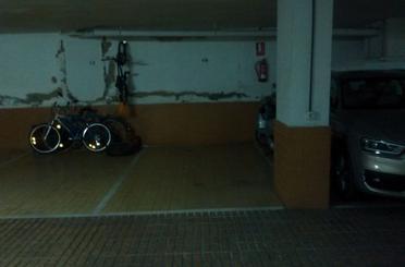 Garaje de alquiler en José Laguillo, San Pablo - Santa Justa