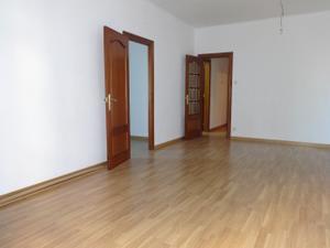 Piso en Alquiler en Llorens I Barba / Horta - Guinardó