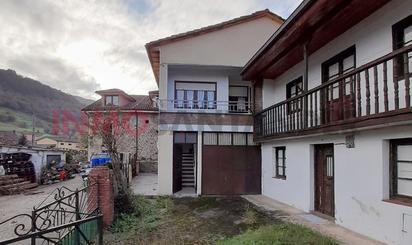 Casa adosada de alquiler en Barrio Villasuso, Cieza (Cantabria)