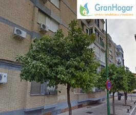 Comprar pisos en cerro amate sevilla capital fotocasa for Piscina rochelambert