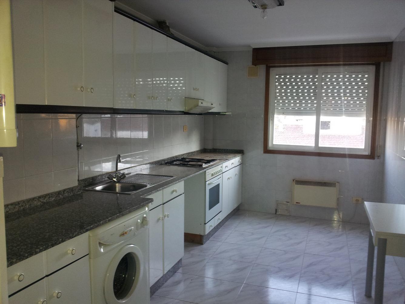 Inmobiliaria tren de segunda mano en ourense for Alquiler pisos zaragoza particulares sin muebles