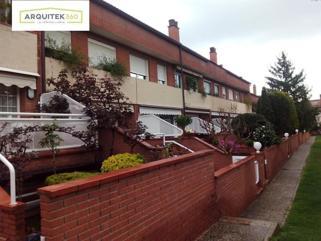 Rent House  Lleida ,11 setembre. Adosada 11 de septiembre