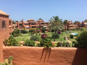 Apartamento en Alquiler en Estepona Este - Paraíso - Atalaya- Benamara / Estepona Este