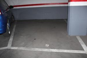 Garaje en Alquiler en Rocafort, 233 / Eixample