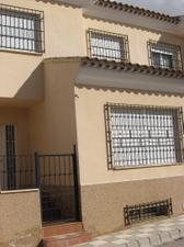 Casa adosada en Venta en La Cañada, 10 / Casas de Juan Núñez