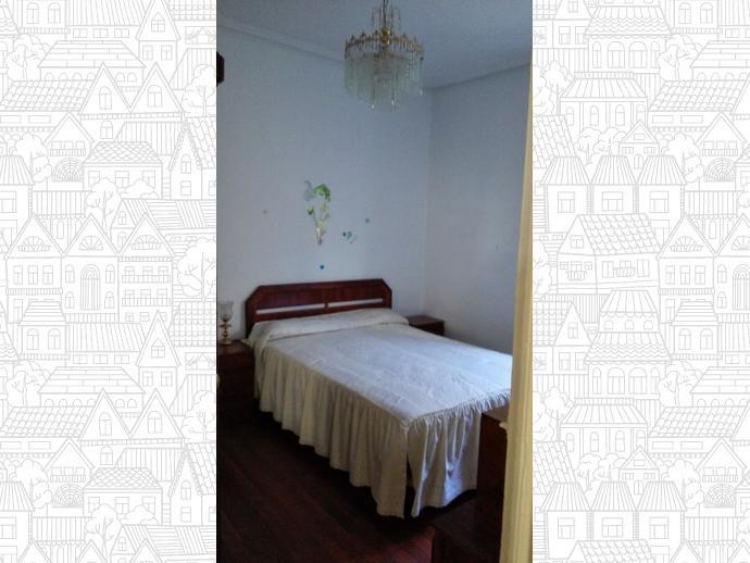 Foto 9 de Casa adosada en Calle Blas De Otero / Sestao