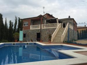 Chalet en Alquiler en Torrelles de Llobregat, Zona de - Torrelles de Llobregat / Torrelles de Llobregat