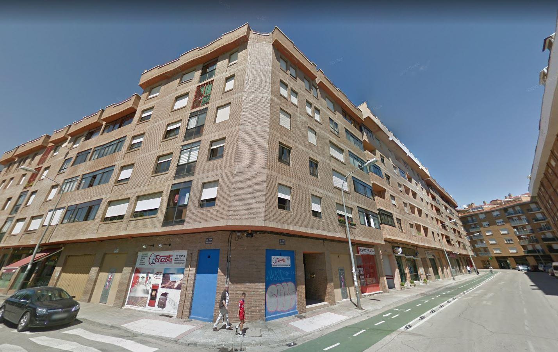 Piso en venta con 111 m2, 4 dormitorios  en calaverón - pajaritos (Sor