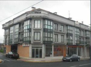Piso en Venta en De Cruces, Piso de Entidad Bancaria / Lalín
