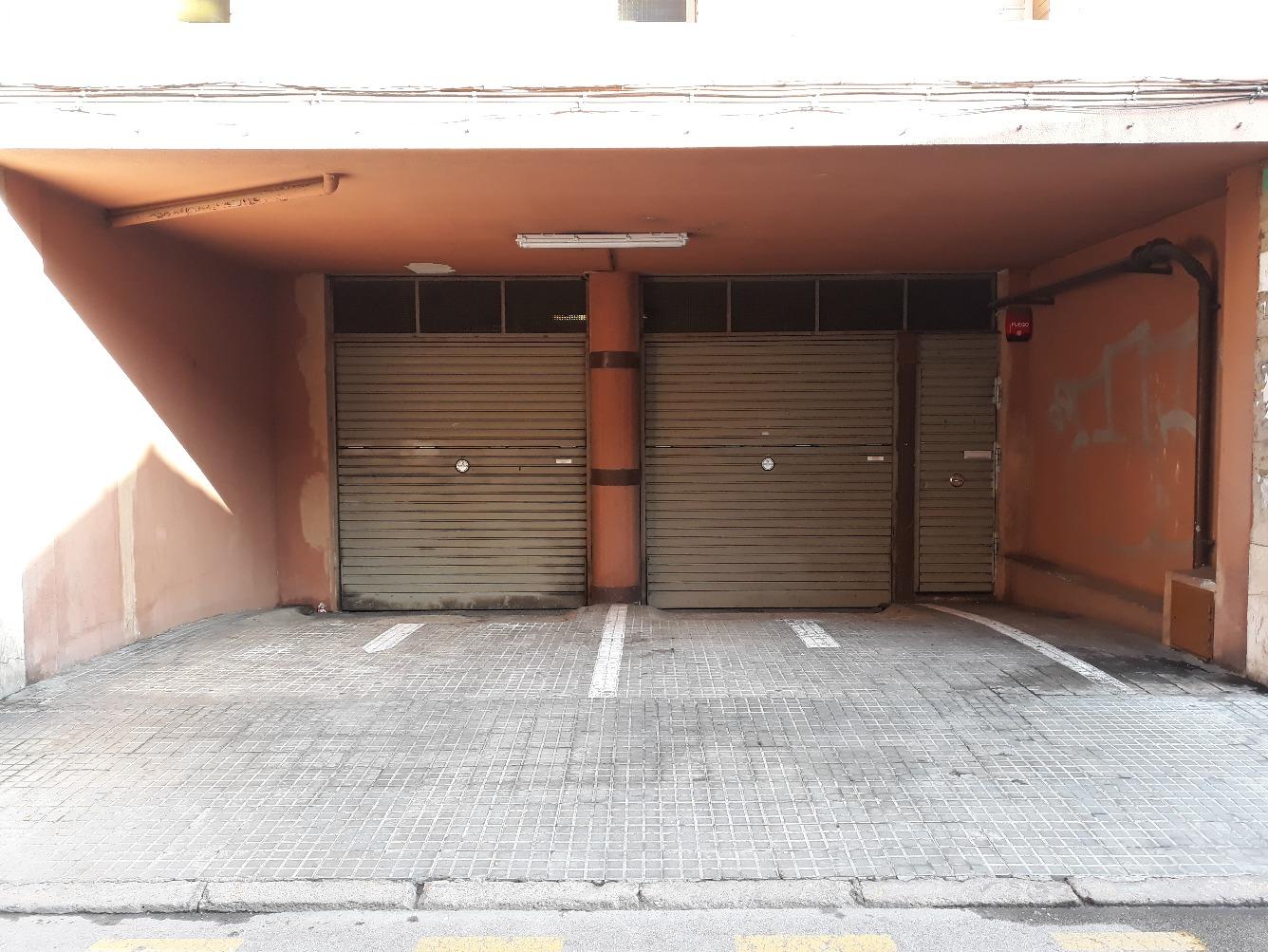 Parking coche  Calle santiago , 3