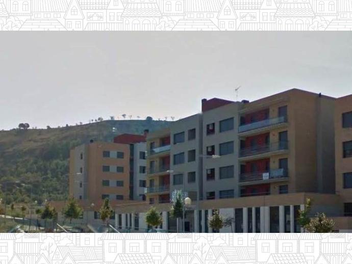 Piso en monz n en calle pantano de barasona 2 141068822 for Piscinas de monzon