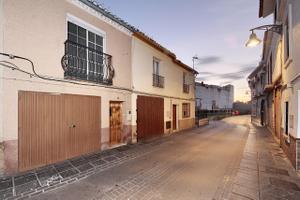 Casa adosada en Venta en De la Rosa, 5 / Santa Fe