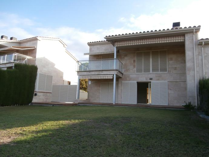 Foto 2 de Casa adosada en Calle Cami Del Padró / Sant Vicenç de Montalt