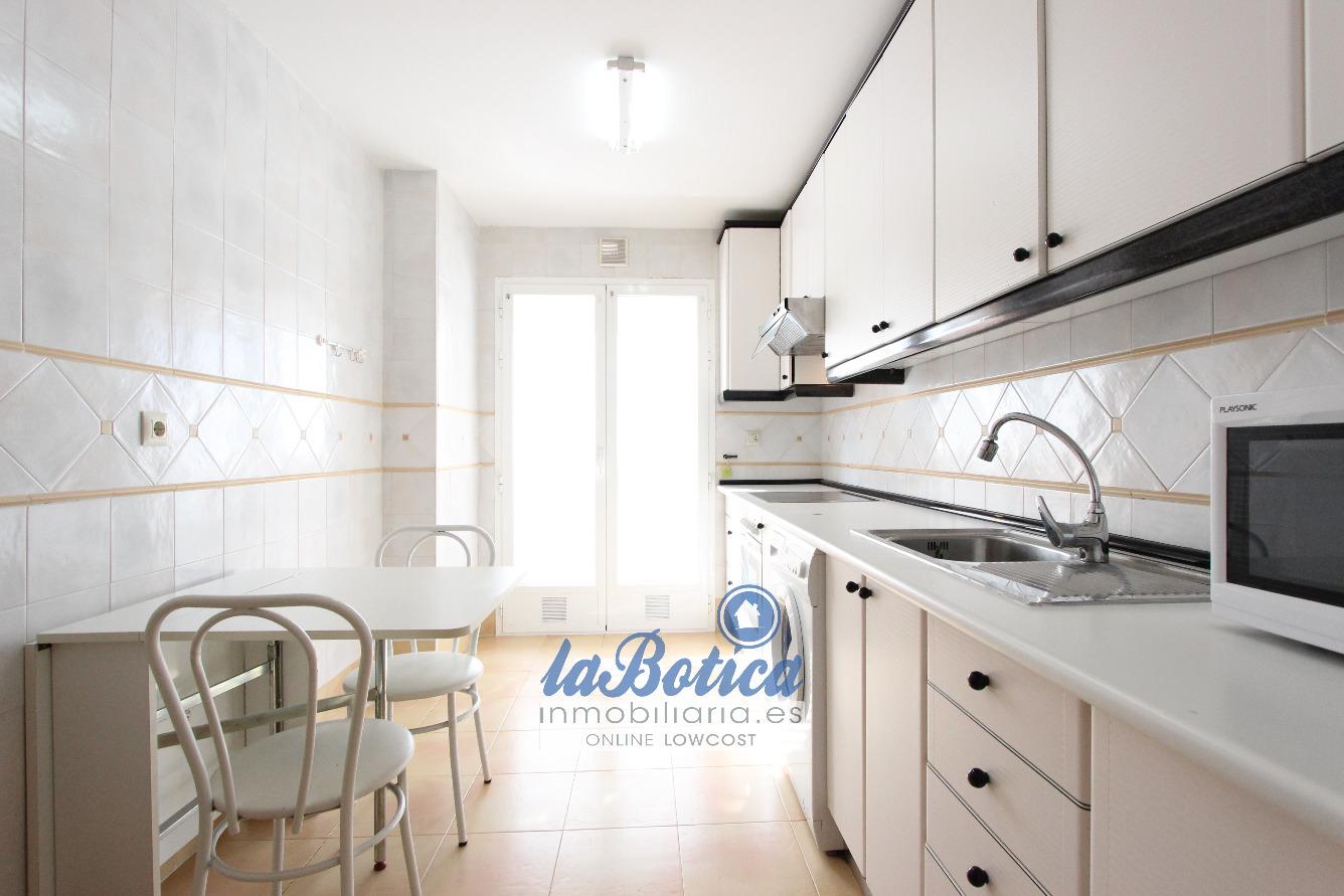Piso en venta con 87 m2, 2 dormitorios  en Casco Histórico (Toledo)