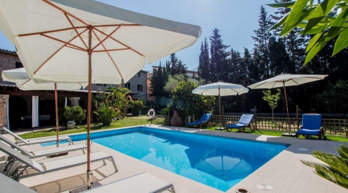 Location Maison  Camí de can guida. Fabulosa villa  con piscina en alquiler en soller