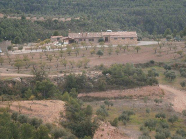 Casa  Garrigues - cervià de les garrigues. Impresionante finca rústica de 830.000m2 de superficie, en la co