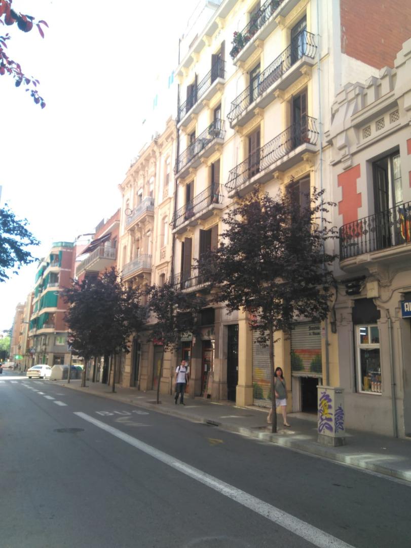 Building  Sants - montjuïc - hostafrancs