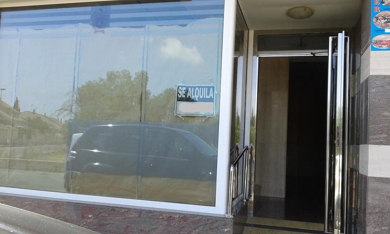 Affitto Locale commerciale  Local montado: peluquería y estética  para entrar a trabajar!!!