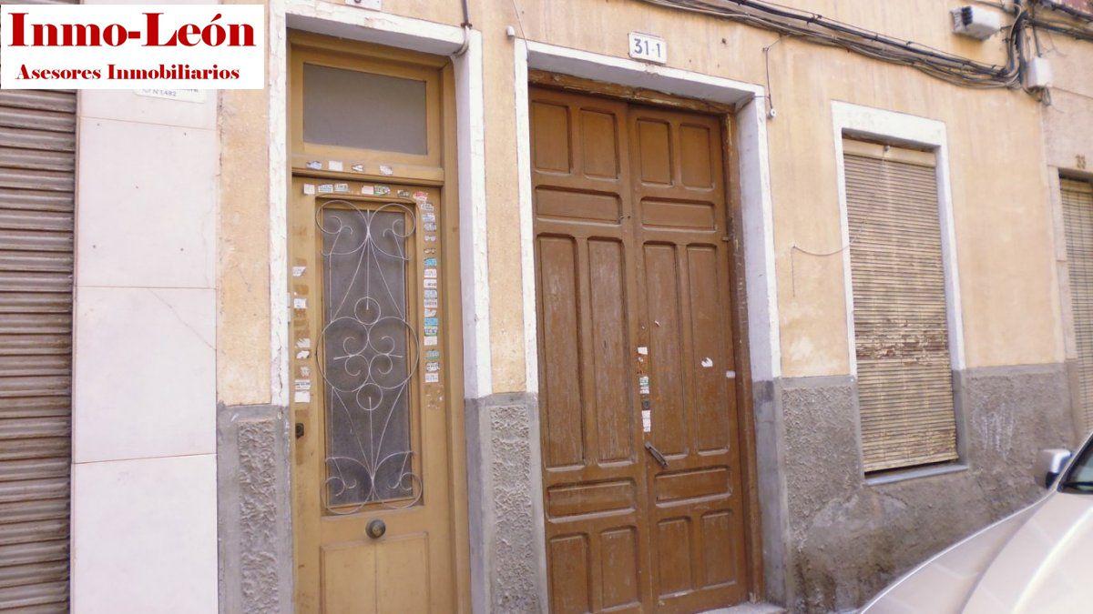 Edifici  Elche ,asilo - pisos azules. Edificio unifamiliar para reformar zona poeta miguel hernandez-p