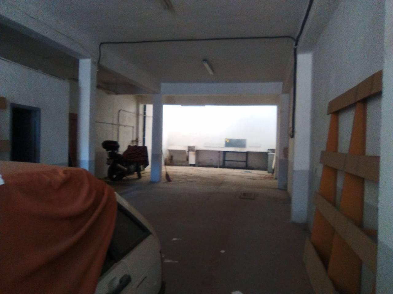 Lloguer Nau industrial  Corte ingles. Superf. 150 m², oficina, puertas de acceso, estado certificación