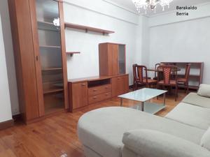 Piso en Alquiler en Santo Domingo de Guzman / Arteagabeitia - Retuerto - Kareaga